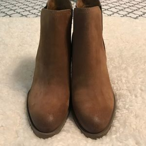 Marc Fisher Shoes - Tan suede Booties size 7